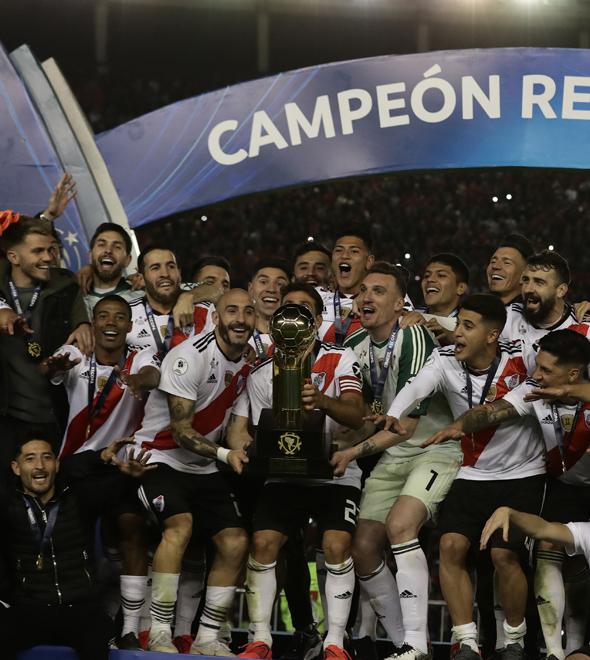 O River Plate precisou de dois gols na reta final da partida para garantir o título