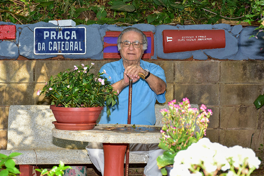 No ano em que completa 80 anos, Cecílio Elias Netto entrega seu novo livro a Piracicaba. Não haverá evento presencial